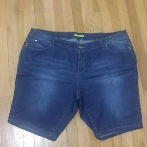Jean shorts worn once size 24